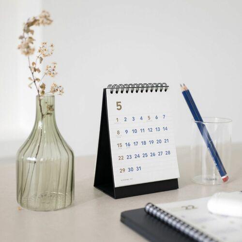 2022 Mini Basic Desk Calendar