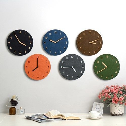 Retro Leather Clock