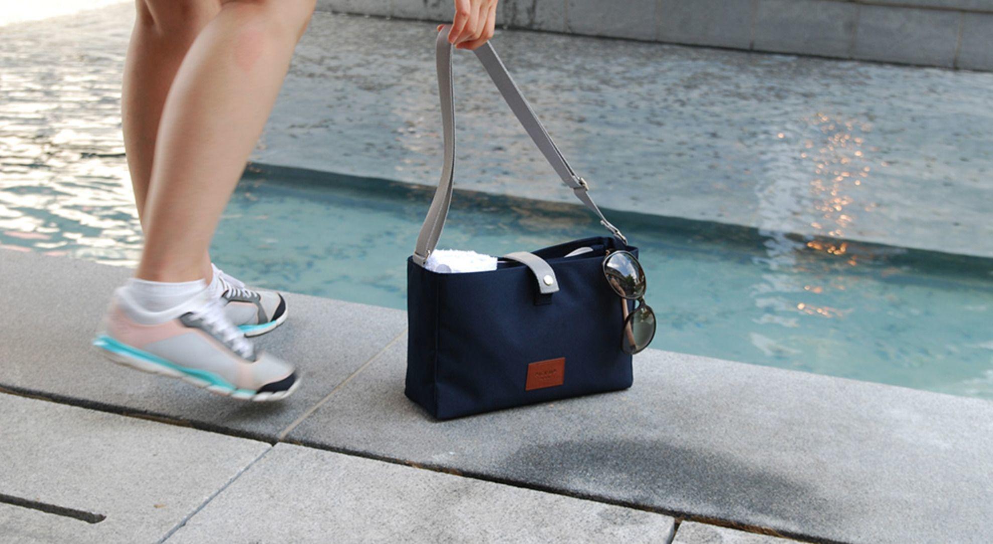 Pick Up Travel Bag