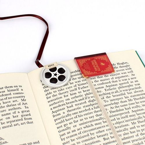 Magnetic Bookmark String