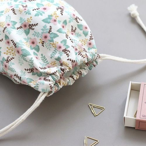 Comely Medium Drawstring Pouch