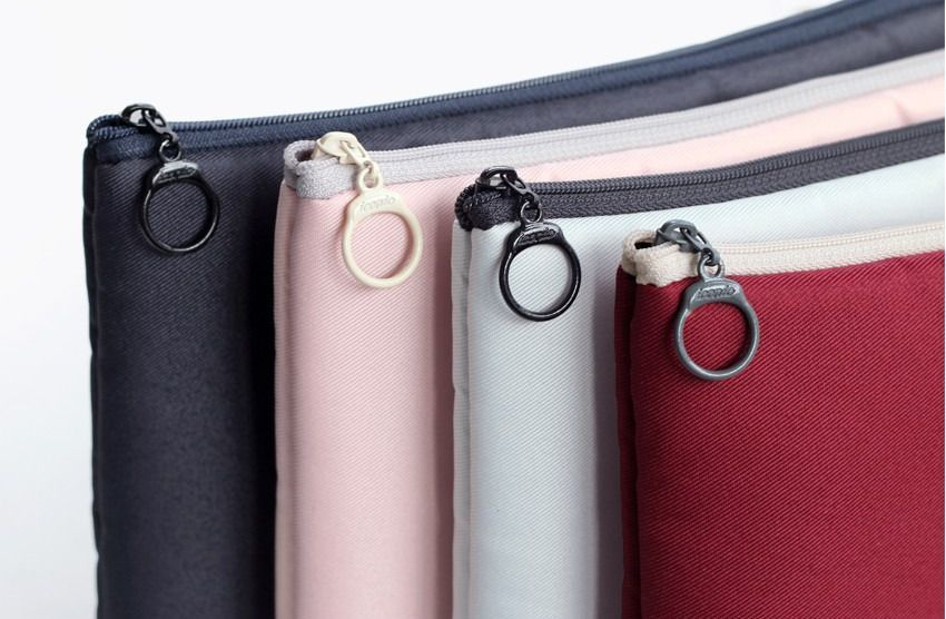 Large Walking in the Air Cable Pouch