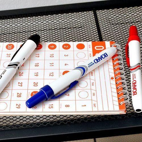 Retractable Whiteboard Marker