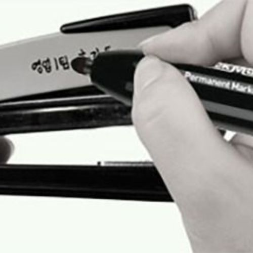 Retractable Permanent Marker