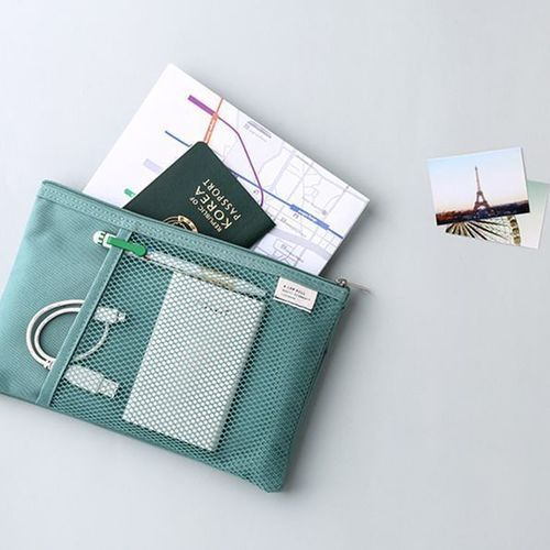 A Low Hill Daily Mesh Pouch