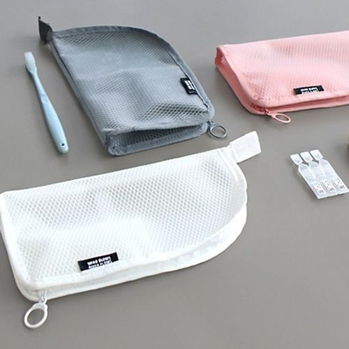 Standing Mesh Pouch